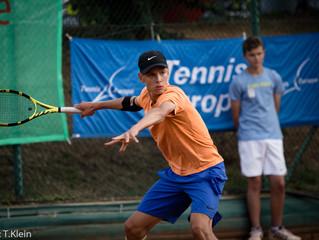 Tennisnachwuchs schlägt zum Finale auf