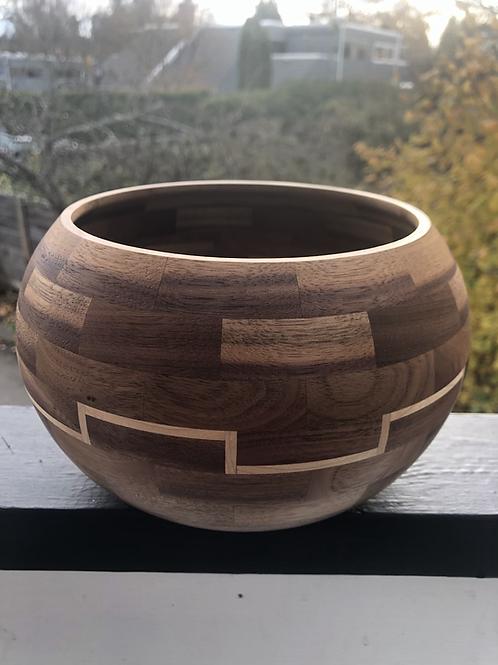 Deluxe yarn bowl