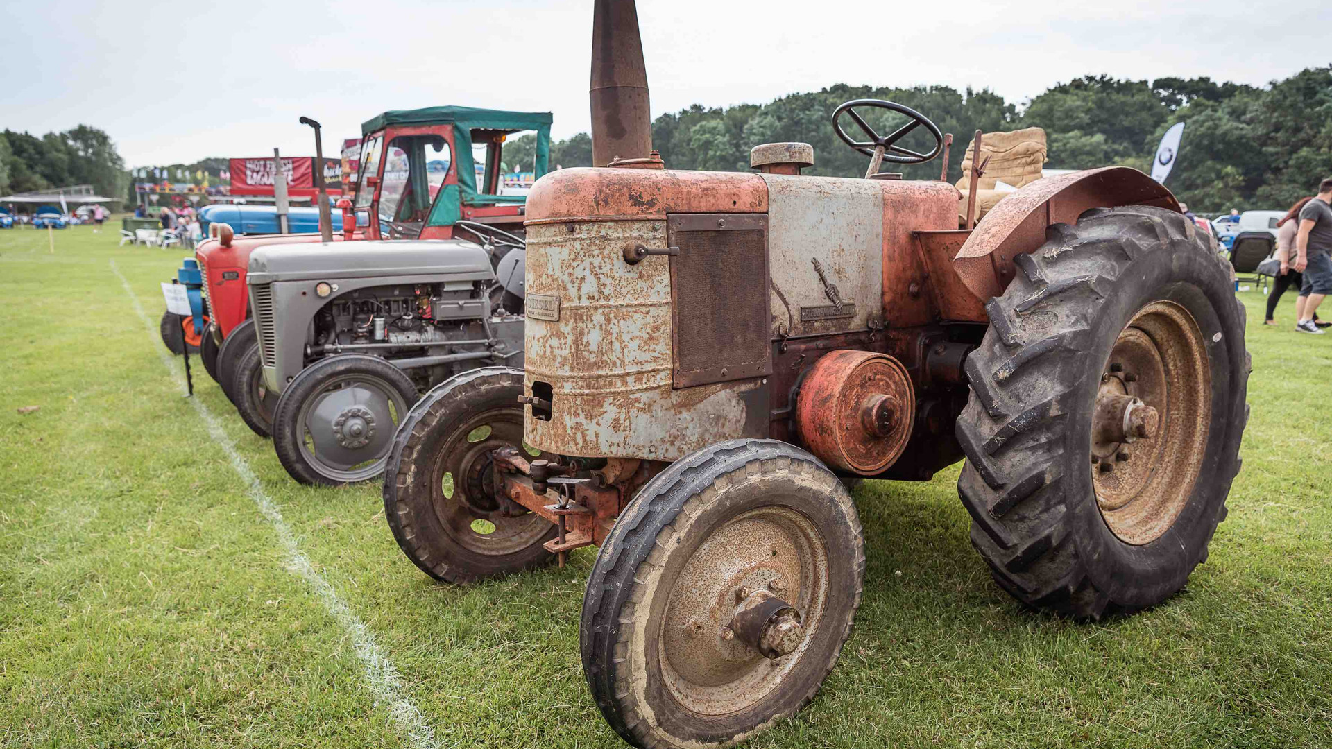 bromley-pageant-vintage-classic-tractor.