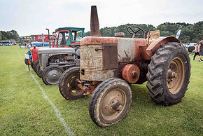 Bromley Pageant Classic Car Show Clubs One Make Parking Trade Autojumble Vintage Tractor