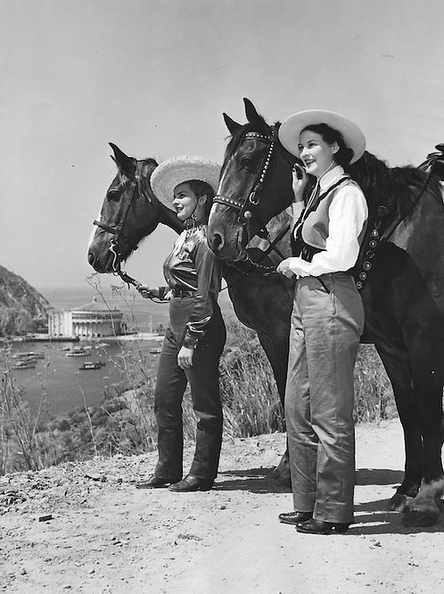Catalina Cowgirls Vintage Photo No. 010
