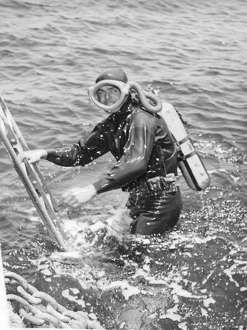 Diving Vintage Photo: No. 004