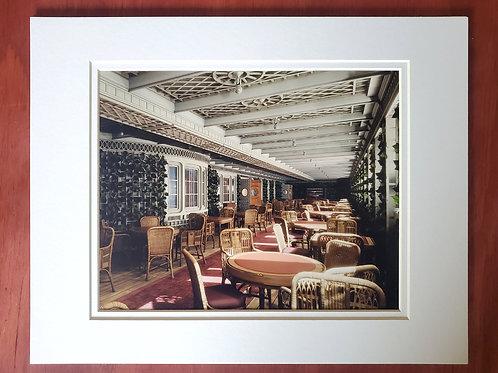 Café Parisien Matted Print