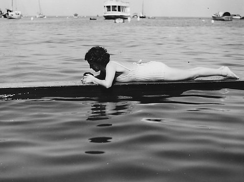 Bathing Beauty Vintage Photo No. 004