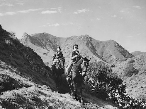 Catalina Equestrians Vintage Photo No. 016