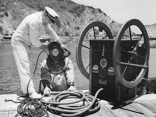 Diving Vintage Photo: No. 005