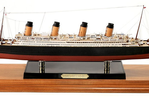 Deluxe Minicraft 1/350th scale Titanic Model Kit