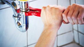 Déboucher, entretenir et décaper ses canalisations et WC