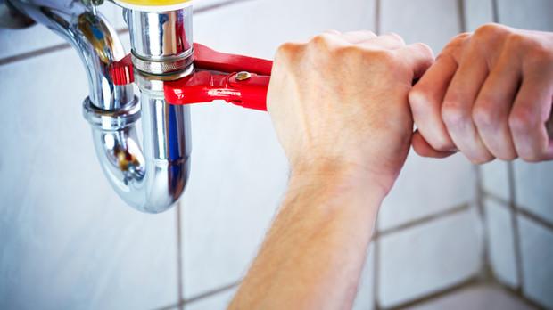 4 Plumbing Maintenance Tips for Fall