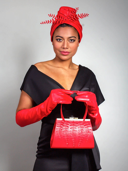 Set of turban, bag and gloves