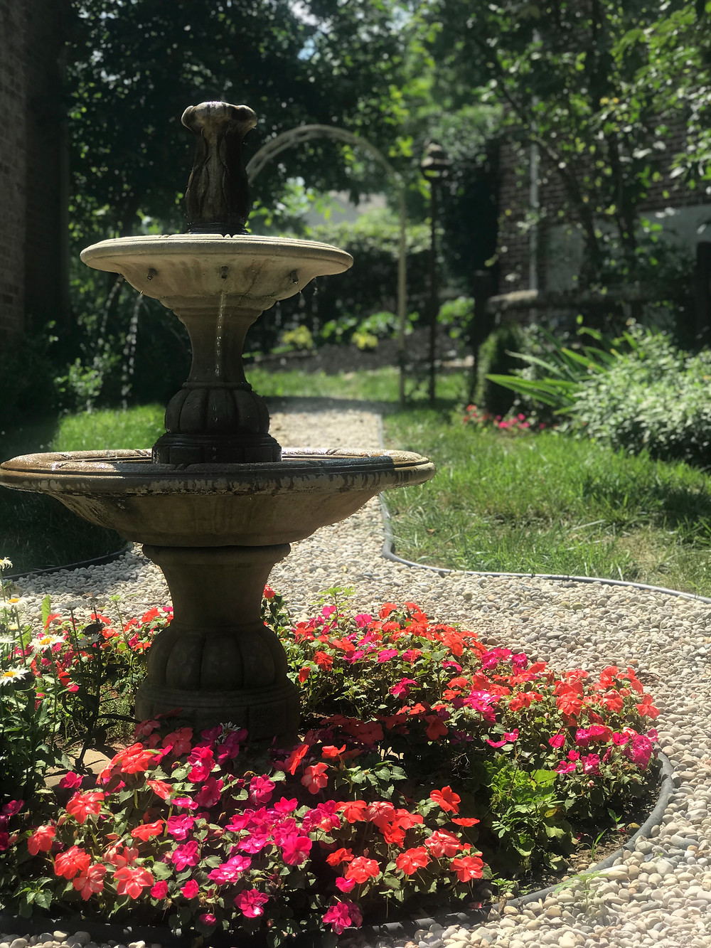 fountain with impatiens