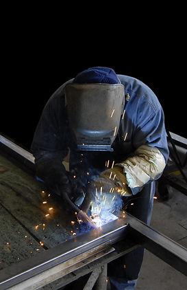 work-steel-construction-metal-welding-industrial-594139-pxhere.com.jpg