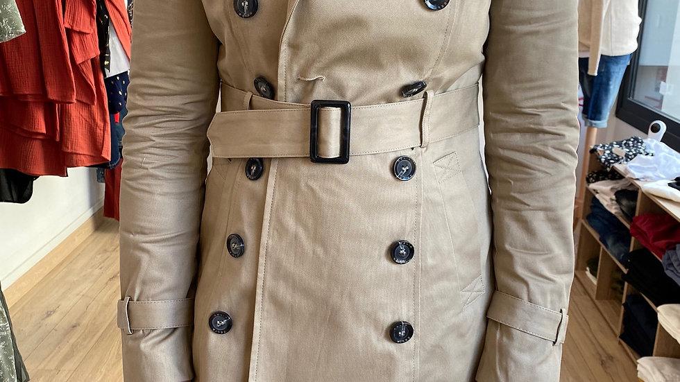 Trench-coat