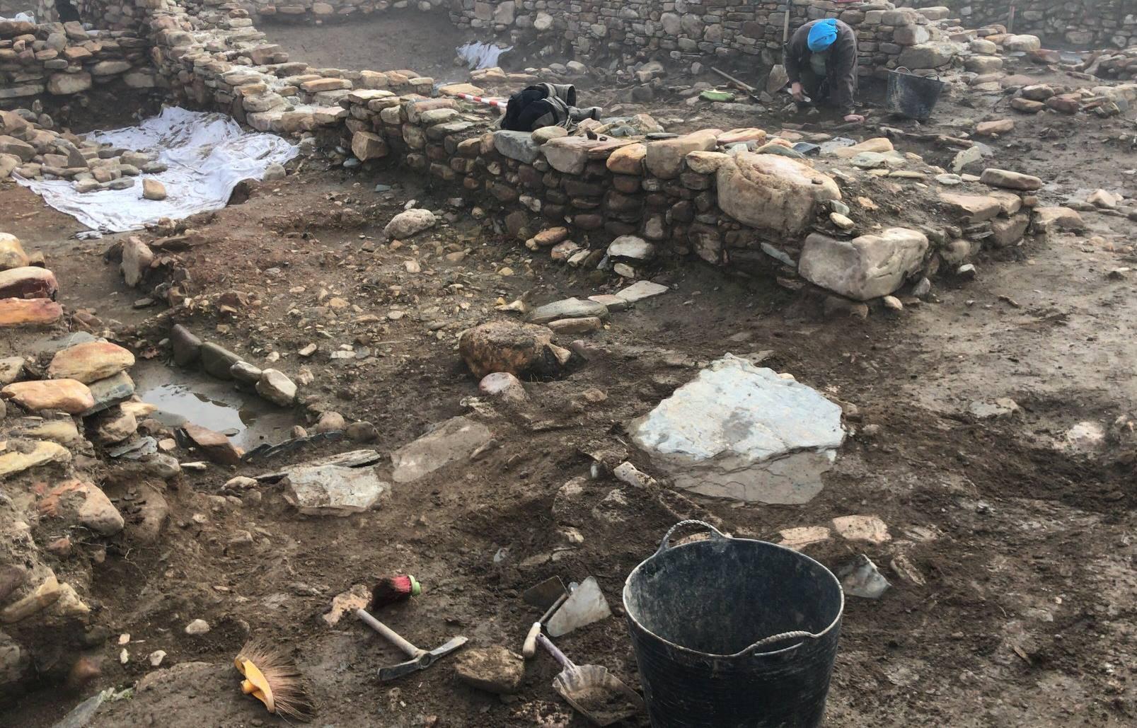 Visita las excavaciones. A las 12 am