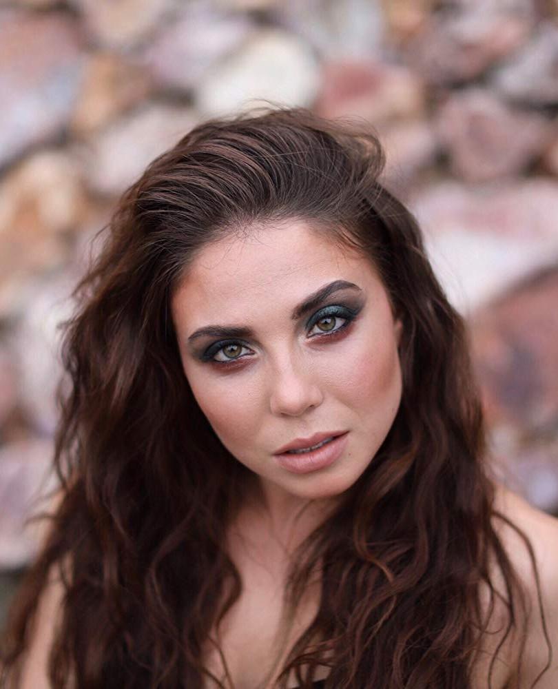 Vera Maslieva Makeup Headshot.jpg