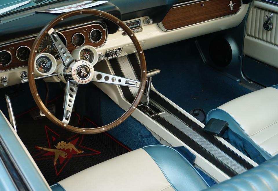 Interieur Mustang.JPG