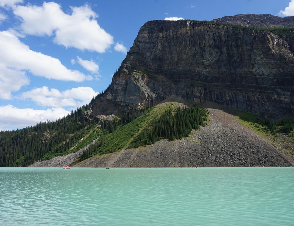 Lake Louise... (2).JPG