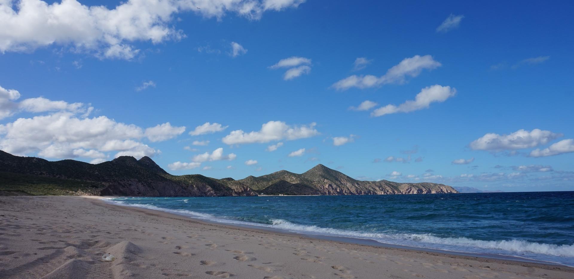 Los Muertos playa.JPG