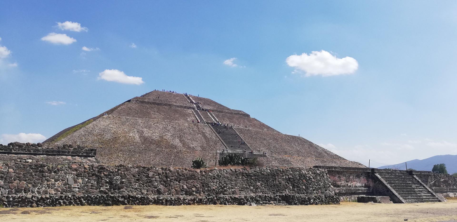 Pyramide del sol.jpg
