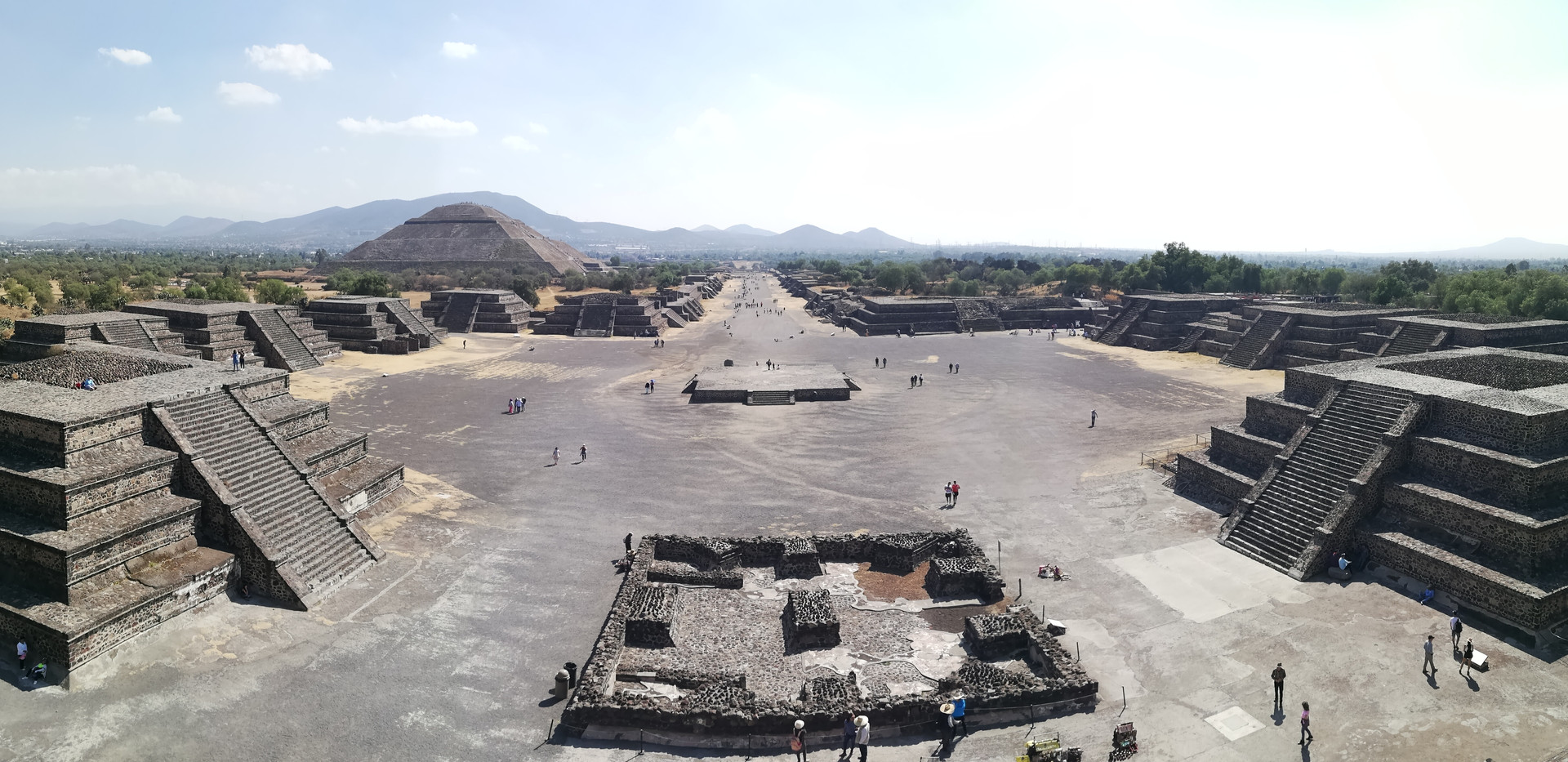 Vue d'ensemble Teotihuacan.jpg