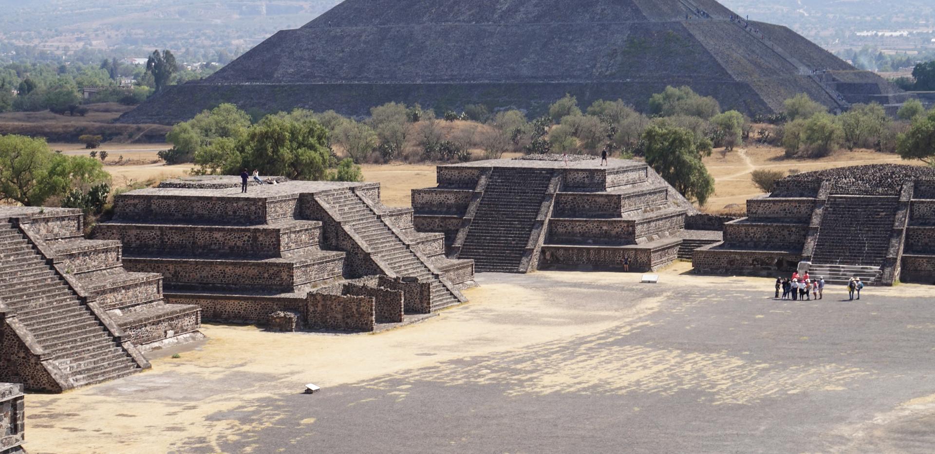 Teotihuacan (soleil).JPG