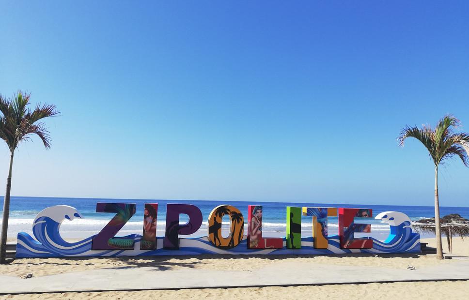 Zipolite.jpg