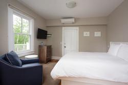 Ren-Room 21