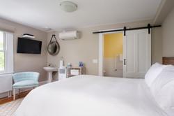 Ren-Room 32