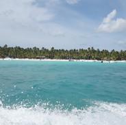 pohled na ostrov Saona z lodi