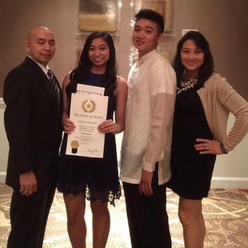 20. 2015 Scholar Jana Remperas and Famil