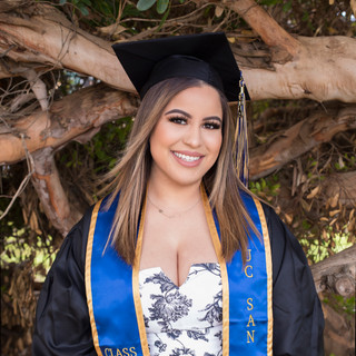 graduation portrait photography