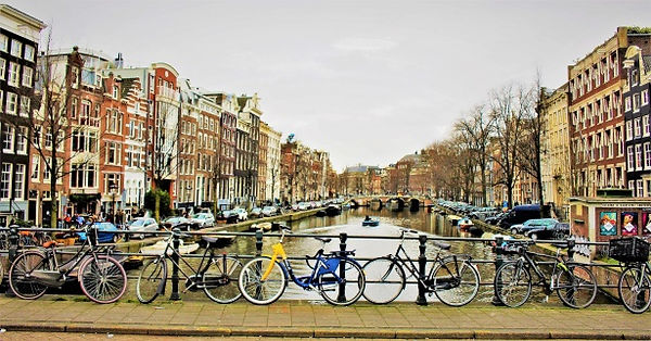 winter-view-in-amsterdam.jpg