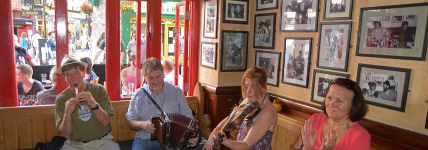 Tig Cóili Pub: Galway, Ireland