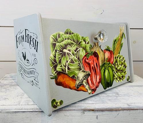 Farm Fresh Bread Box with Veggie Design