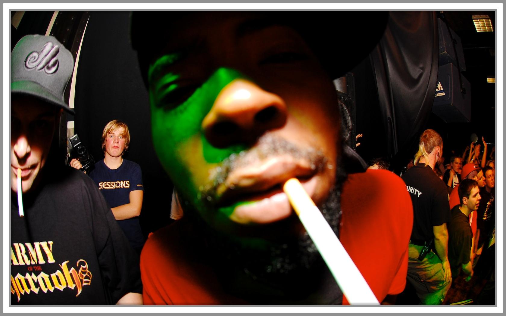 Reef Cigarette 1.jpg