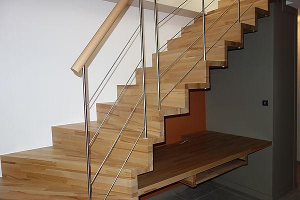 Nouvel escalier agencement avec bureau dans entrée