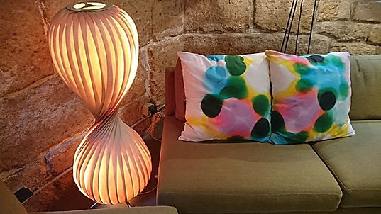 5_ambiance_salon_décoration_mur_pierre.j