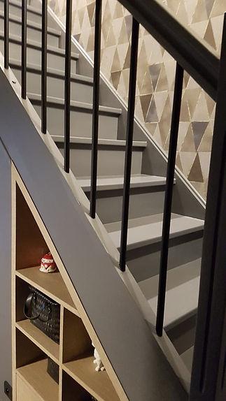 agencement sous escalier architecte intérieur angers