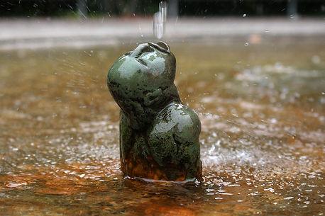 Figur im Brunnen