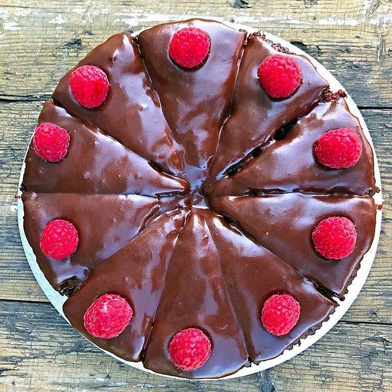 Vegan chocolate & raspberry cake