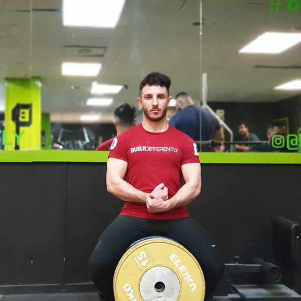 Be smol, strong and Greek