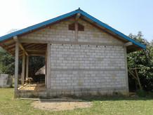 Enfants du Laos, construction salle informatique