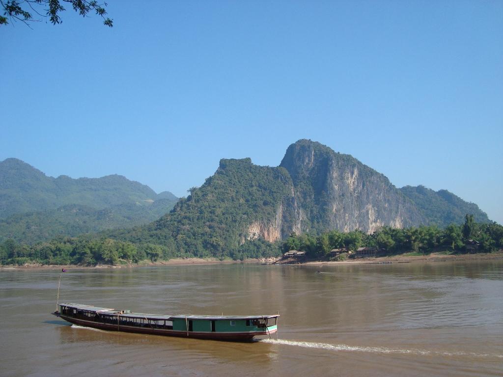 mekong cruise, luang prabang, laos, mekong laos