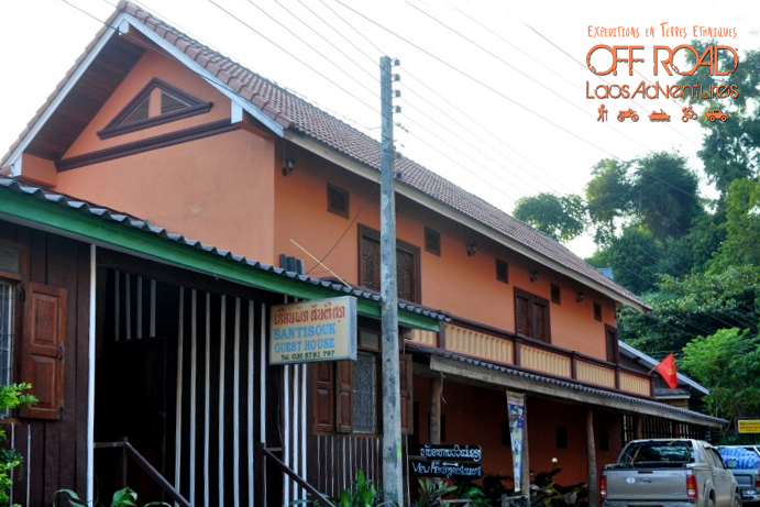cheap accommodation laos, local hotel, laos guesthouse