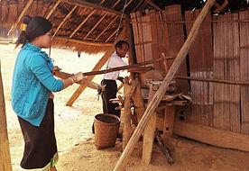 Handicraft in village - ORLA Tours, trav