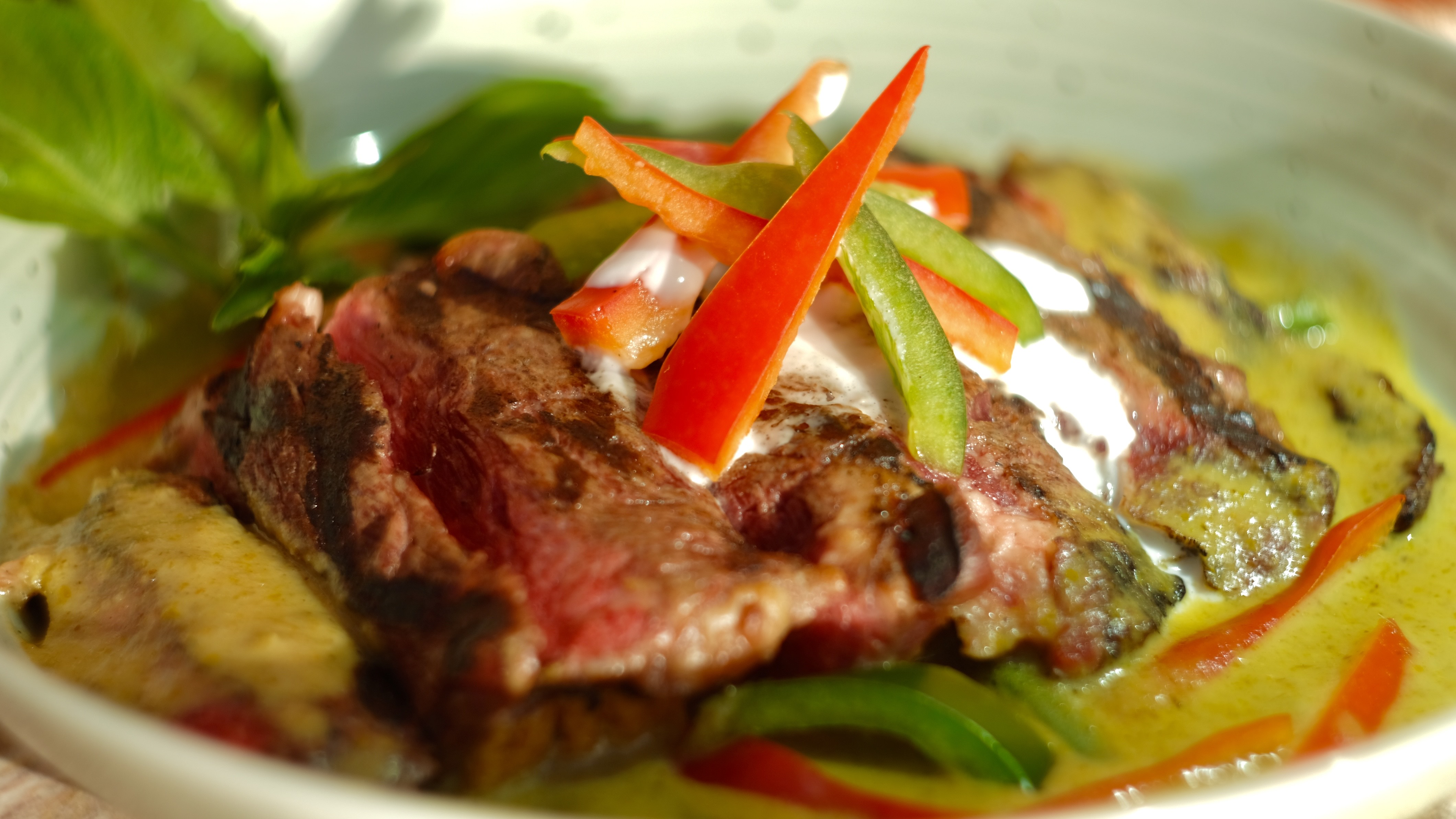Grilled Ribeye in Green Curry Sauce