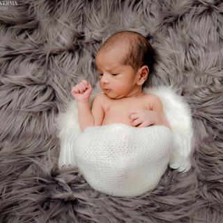 Newborn Photo shoot in Delhi Gurgaon Noida.jpg