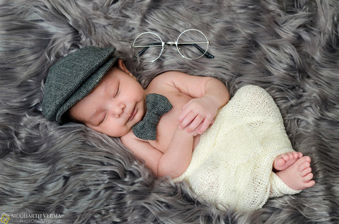 Newborn photo shoot at home in Delhi NCR.jpg