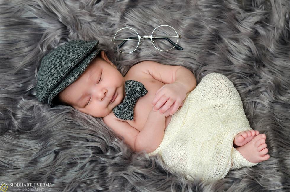 Newborn photo shoot at home in Delhi NCR.jpg