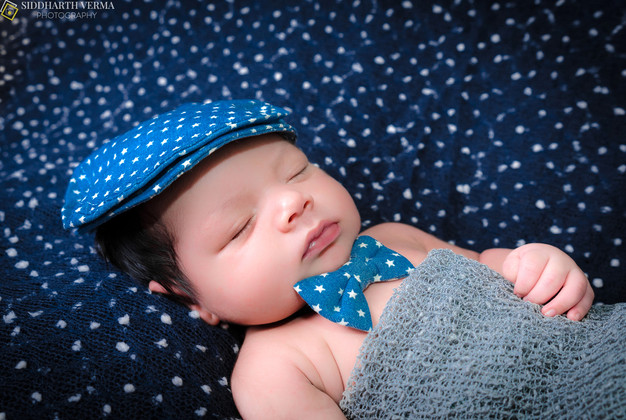 Newborn Baby photography in Delhi Gurgaon Noida .jpg